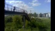 Задно салто от 10 метра върху трева !