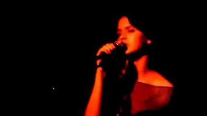 * Превод* Katy Perry - Im Still Breathing