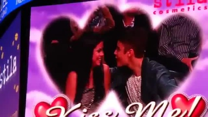 Justin Bieber and Selena Gomez Smooch for Kiss Cam at Lakers Game