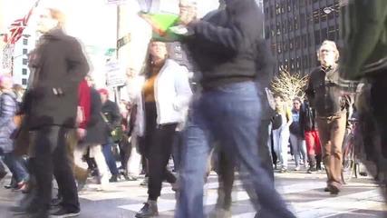 USA: Thousands demand Chicago mayor's resignation over McDonald shooting