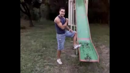 Идиот се опитва да прави задно салто