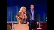 Pamela Anderson Се Разгорещява В Tv Show