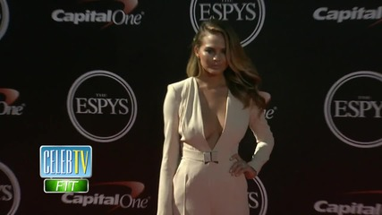 Chrissy Teigen Shows Off Stretch Marks!