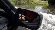 С на Роко Fronterata през реката