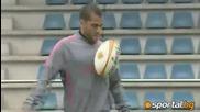 Футболистите на Барса тренират с топка за ръгби
