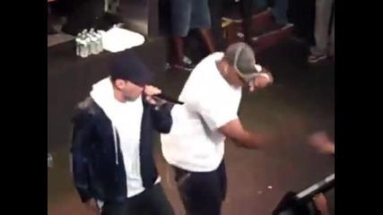 *яко* Eminem Рапира на Beamer Benz Or Bentley 2010 (live)