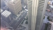 Чудили ли сте се някога какво става с небостъргачите като има земетресения? Вижте какво става
