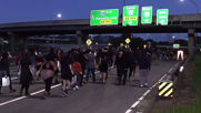 USA: Thousands of protesters block Minneapolis motorway in George Floyd demo