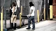Момиче с къса пола плаши хората - Шега