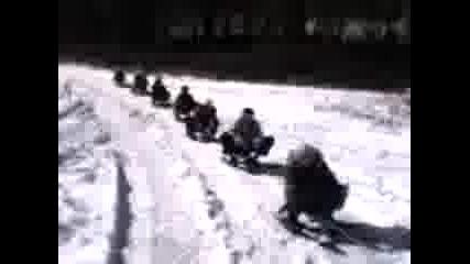джип тегли 9 шейни в гората в Перник