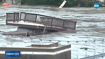 Заради рязко покачване на водите, реки в Тексас заплашват да прелеят