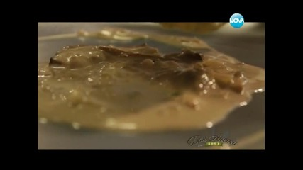 Пиле с Уолдорф гарнитура, качамак със сос, кифлички с шоколад - Бон апети (12.01.2013г.)