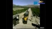 Откачено - Задно Салто Над Минаващ Влак!!!
