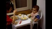 децата ядат