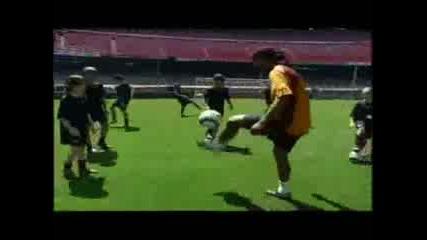 Ronaldihno Vs Ronaldo