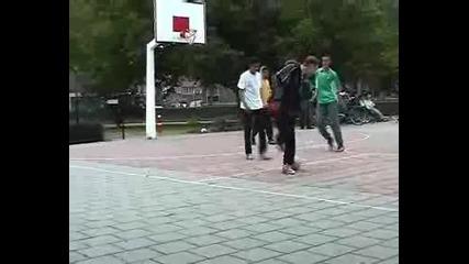 Невероятни умения с топка !