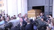 Italy: Several thousand mourners attend Bud Spencer's funeral in Rome