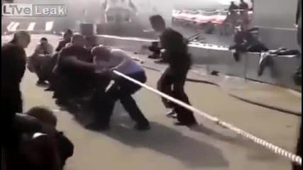 Руски моряци срещу Морската пехота на Сащ
