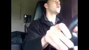 Шофьор на камион издава странни звуци
