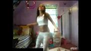 Яка кака танцува пред Web камера