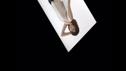Selena Gomez-left right