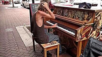 Бездомный подошел к фортепиано и началось волшебство
