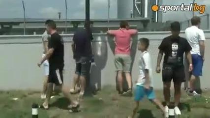 Левскарите посрещнаха футболистите на летищетото