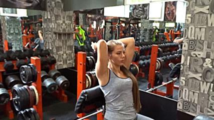 Разгъване с дъмбел зад главата - Симона Георгиева
