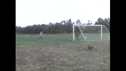Футболист И Вратар Номер 1 В Света Част 2