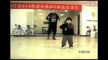 Компилация От Танцуващи Бебета И Деца