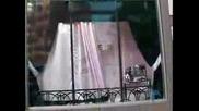 Адриана Лима Зад Голям Прозорец