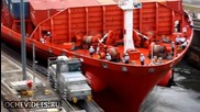 Кораб контейнеровоз причинява авария в панамският канал , разминава се по чудо без жертви !
