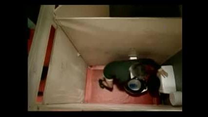 Мистър Бийн В Тоалетната !!!