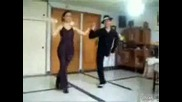 Еднокрак танцьор на салса