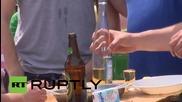 Състезание по надпиване с ракия в Сърбия
