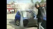 Това се казва да си запалиш гумите на Civic - а