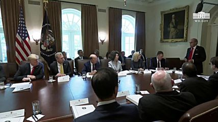 USA: Trump talks tough on trade with China and war on opioids