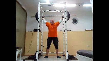Клек със щанга над главата - 5x100 кг - 30122012
