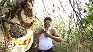 Индиец приюти цял рояк пчели под потника си