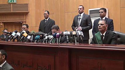Egypt: Court sentences 6 to death for spying, Morsi verdict postponed