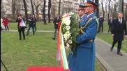 Плевнелиев положи венец пред паметник на Раковски и Левски в Белград