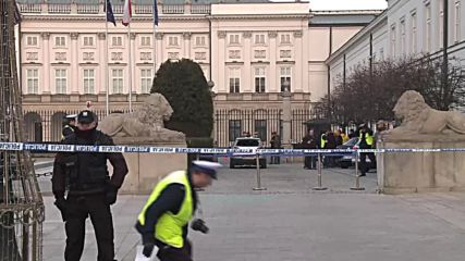 Poland: Heightened security outside Warsaw's Presidential Palace after car-ramming attempt