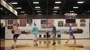 Невероятни умения с баскетболна топка и фризби