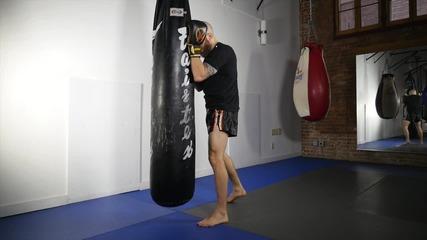 Муай тай / кикбокс тренировка- бутане на круша и игра с тяло
