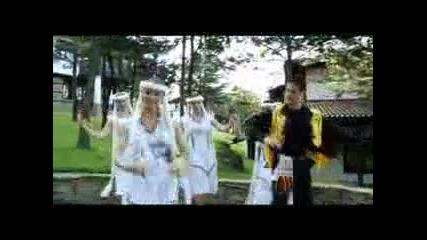 Дения Пенчева - Малка мома