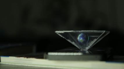 Холограма за смартфон: Как се прави