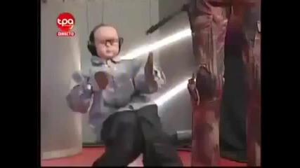 Луда Кукла Играе Кючек Смях !!!!