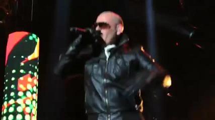 Pitbull feat. Sensato latinos In Paris