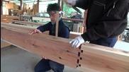 Японски дърводелци показват прецизен и здрав метод за снаждане на греди без пирони!