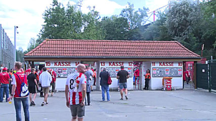 Germany: Fans gather for FC Union Berlin Bundesliga debut